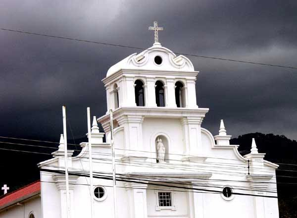 Roman-Catholic-church-in-Liberia-Costa-Rica