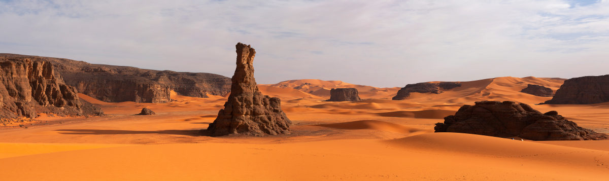 Chad-stone-arches-in-the-sahara-desert