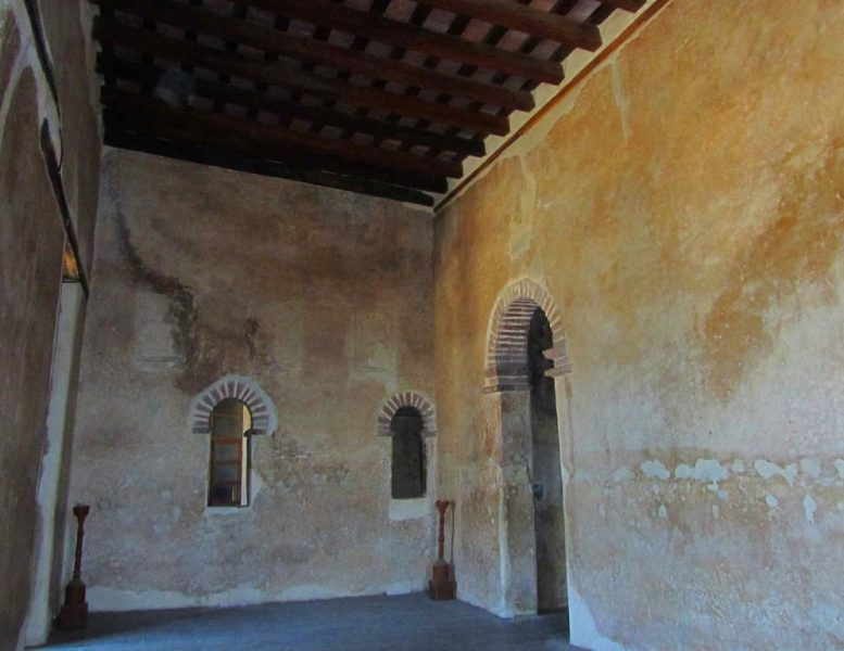 facilides-castle-dining-room