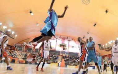 Basketball dunking action