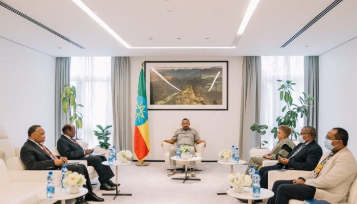 Abiy and african envoy